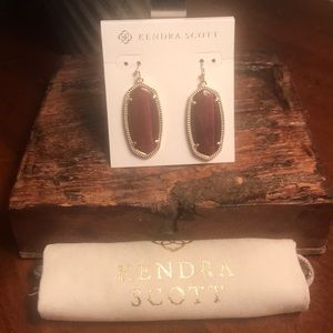 Kendra Scott Elle Earrings in Tigers Eye Bordeaux!